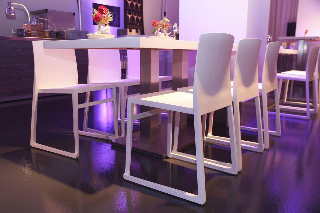 Stuhl und Barhocker Tonio Leichtgewicht auf Kufen
