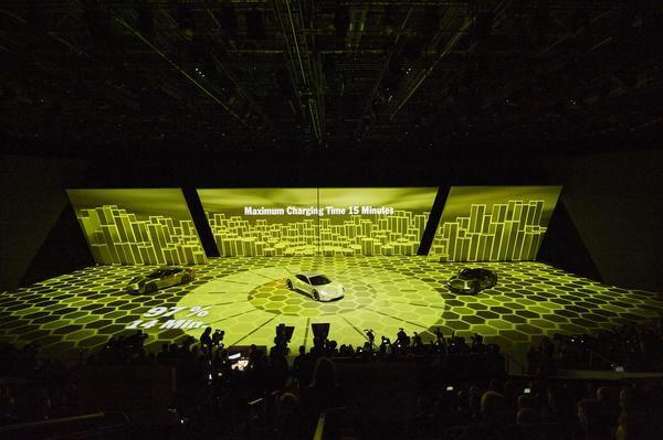 AMBION liefert für VW Group Night großflächige Zuspielung der hochauflösenden Inhalte