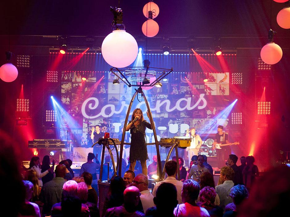 Die Eventband De Coronas live auf der BOE Messeparty