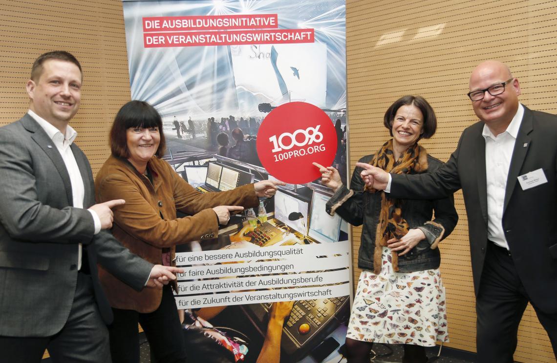Veranstaltungsbranche startet Ausbildungsinitiative 100PRO - Ausbildungsqualität sichtbar machen