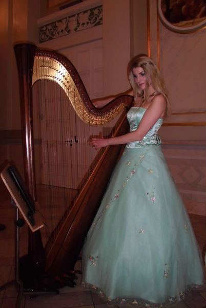 "Simonetta Ginelli – die ""Hauptstadt-Harfe"""