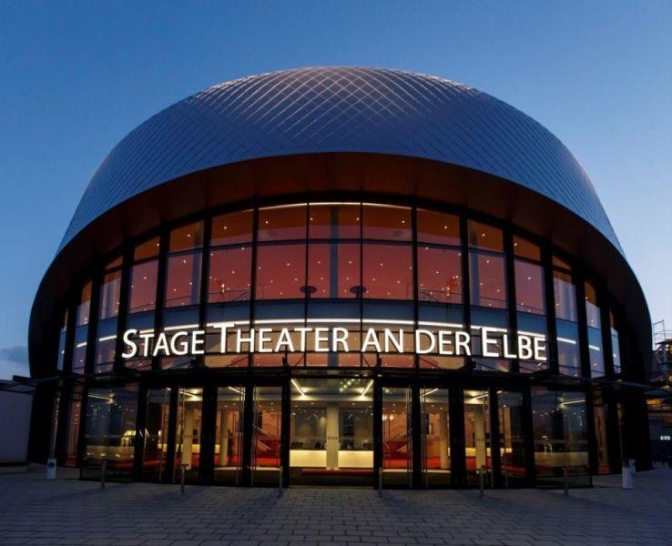 Das Stage Theater an der Elbe - Hochmodern und Lichtdurchflutet