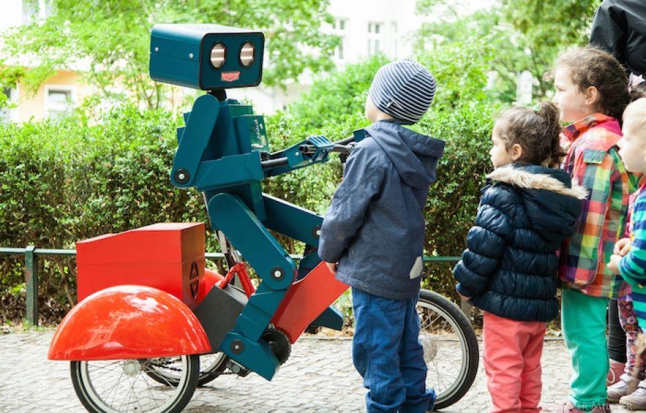Hugo, der sprechende Roboter
