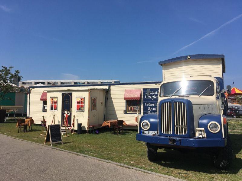 NostalChique – Kleines Cabaret im umgebauten Zirkuswagen