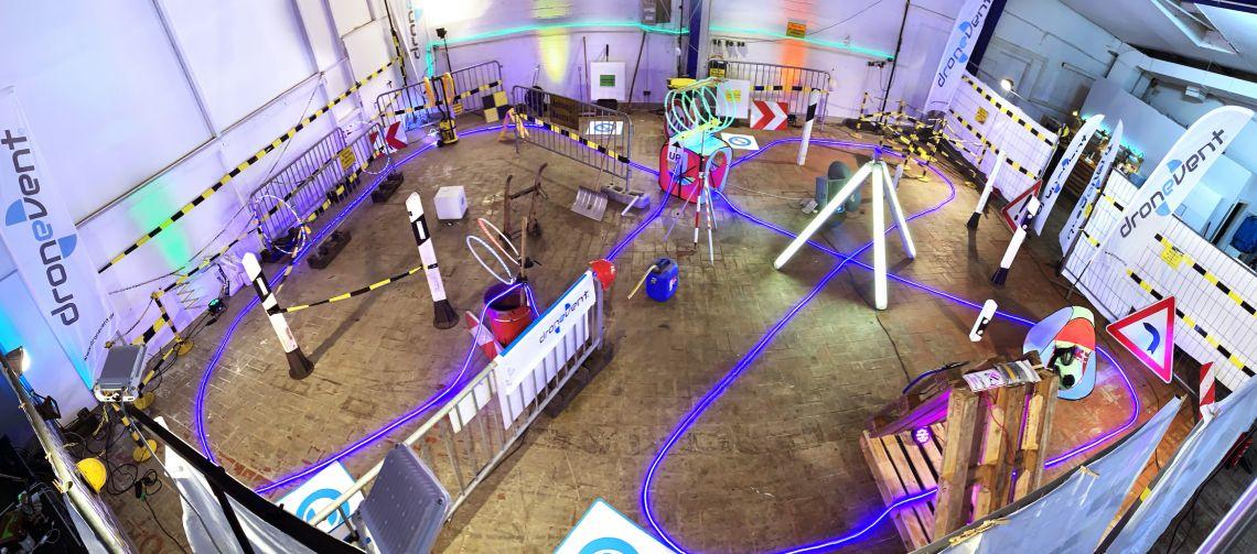 Drohnenrennen übers Internet mit Dronevent