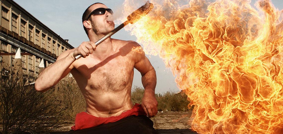 Feuershows und Luftartisten