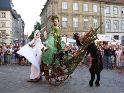 Das Stelzen-Traumtanz-Theater ´FAUNTASIE´