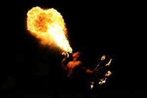 Funkenflug – Feuer, Stahl und Feensang