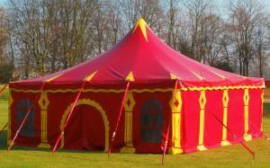 Zirkuszeltvermietung von Circus Nowotny und Cohen