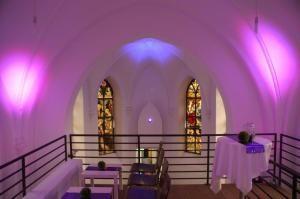 Feiern und Tagungen am heiligen Ort: die Eventkapelle