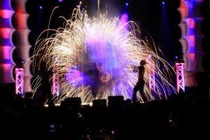 Feuer- und Glow-Shows mit Chapeau Bas