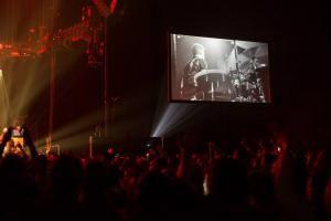 """CT Creative Technology Unterstützt Pearl Jam's """"Lightning Bolt""""-Tour"""