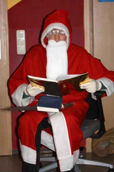 """Der """"Singender Weihnachtsmann"""" ist unterwegs"""