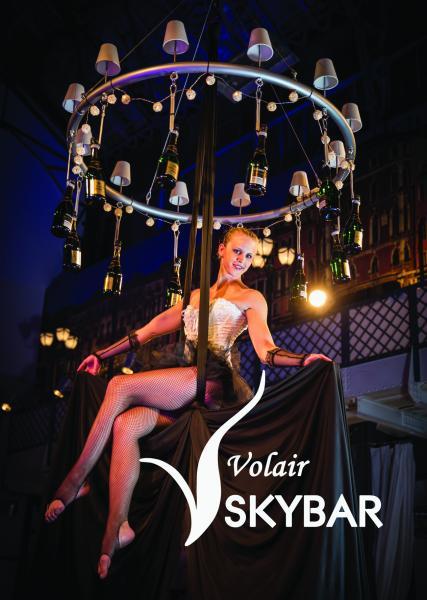 Volair Skybar- ein artistischer Sektempfang