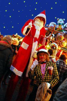 """PICO BELLO´s """"Größter Nikolaus und seine Clownmarionette"""""""