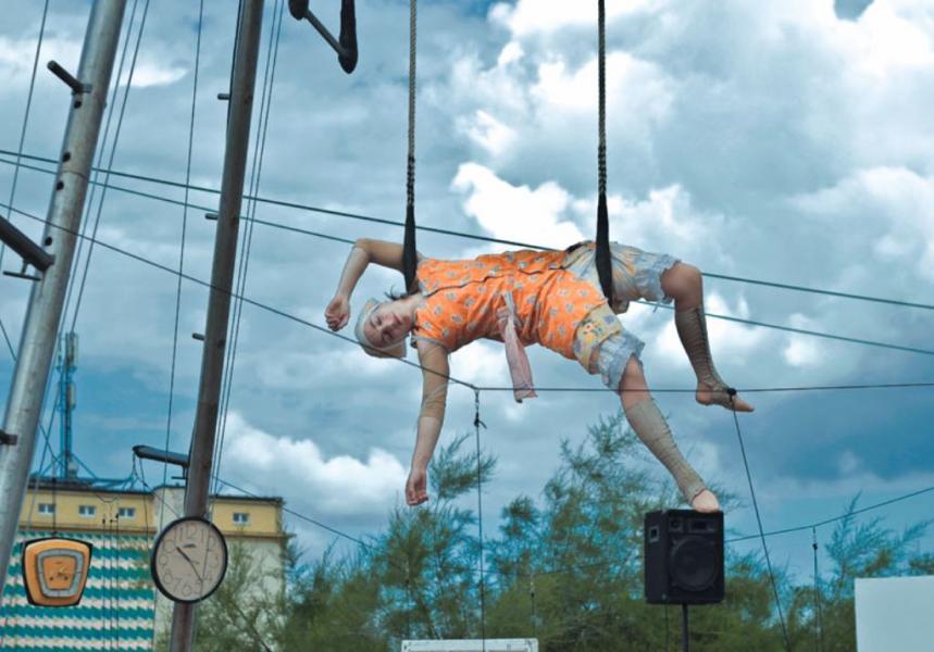 Aerial Theater - Zeitgenössischer Zirkus im öffentlichen Raum