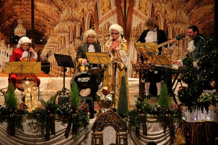 Schloss auf der Bühne  - Gerd Winzer als Bühnendesigner