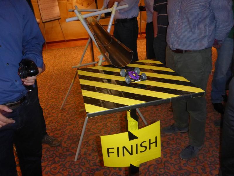 FORMULA 2000 – Rennstreckenbau in Teamarbeit