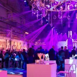 Wie Firmenjubiläen zu Marketing-Erfolgen werden: Der REVIERKÖNIG wird beim Firmenjubiläum zum Botschafter