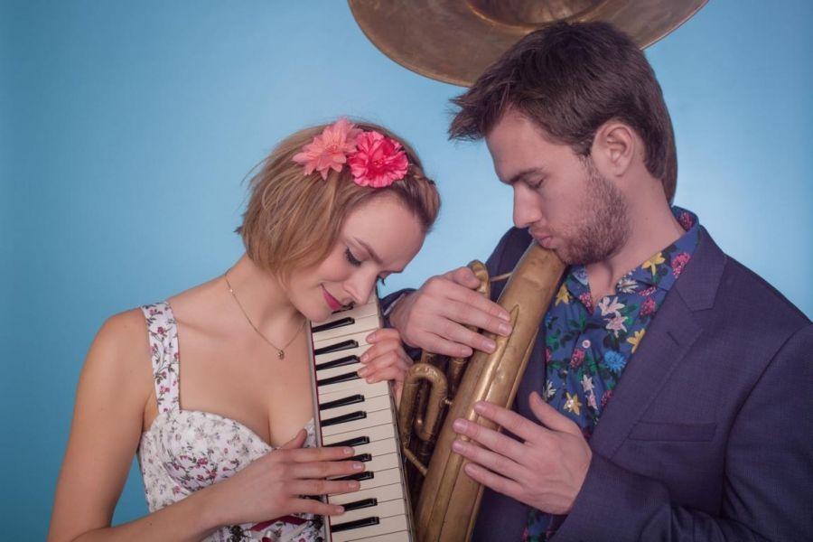 Gustav und Gerlinde – Musik mit Sousaphon und Melodica